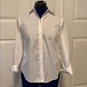 Long sleeves shirt.